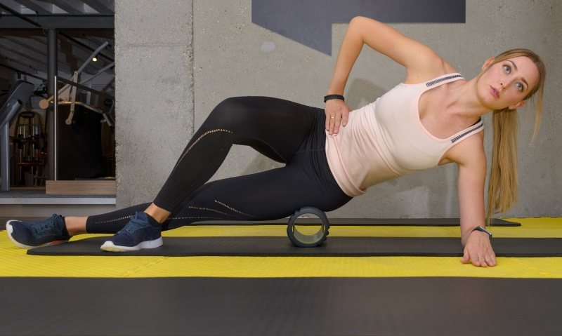 13 Best Foam Roller Exercises to Ease Muscle Soreness - Fitwirr